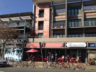Mountain bike hangout at cafe in Green Side, Jo'Burg - neighborhood where we stayed