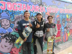 Yogya skaters, fun chatting with them